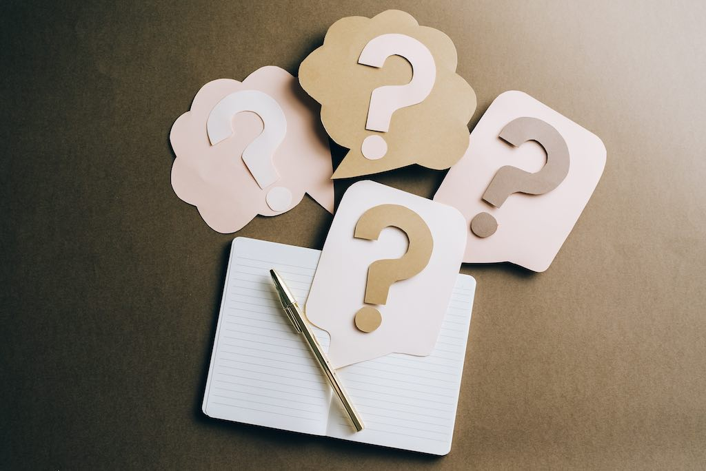 Question marks (image accompanying the 'why blog' section).